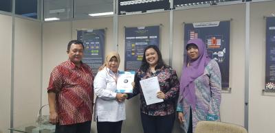 Penyerahan Penelitian Kolaborasi ISEI Semarang dan DIKTI