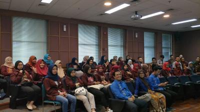 Kunjungan Mahasiswa FE UNG