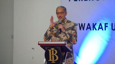 PEREKONOMIAN INDONESIA: PROSPEK DAN ARAH BAURAN KEBIJAKAN DALAM MENJAGA STABILITAS DAN PERTUMBUHAN EKONOMI