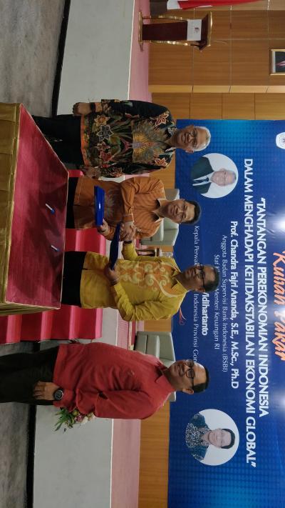 Kuliah pakar dan penandatanganan perjanjian kerja sama FE UNG dan Kpw Bank Indonesia Gorontalo.